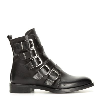 Fynda skor från K.Cobler online   scorettoutlet.se